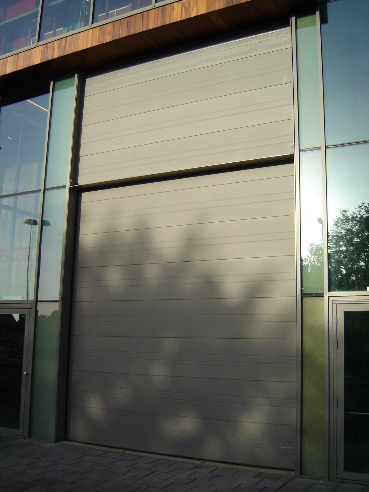 Sectional overheaddoor - Acoustic insulation - Protec Industrial Doors & Theatre Patronaat - sound-insulating doors - Protec Industrial Doors