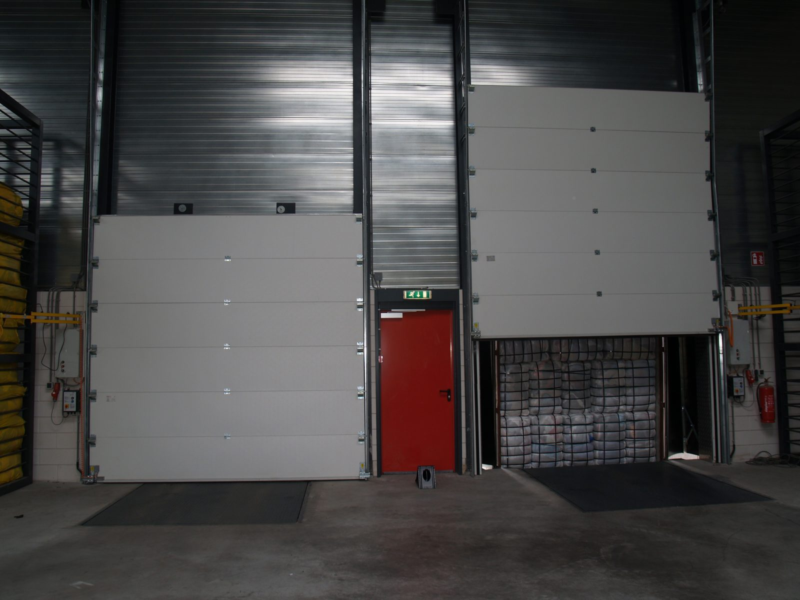 Fire-proof sectional doors - Protec Industrial Doors & Fire resistant overhead door - Gebotex - Protec Industrial Doors