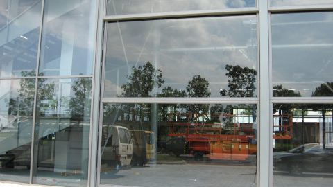 Fast action door in glass - sectional sliding door with large glass panels - high speed
