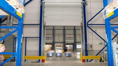 Fireproof sectional door wit liquid retention - ADR - Protec Industrial Doors