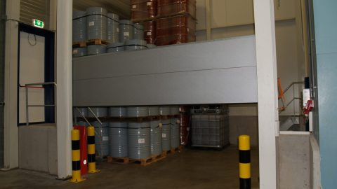 Liquid retention - Sectional door - Protec Industrial Doors