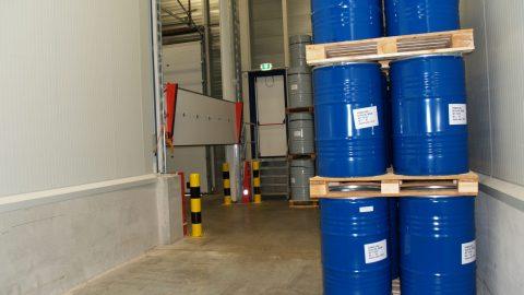 Liquid-retention barrier - Overheaddoors - Protec Industrial Doors